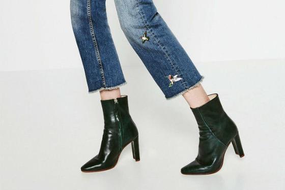 Botas, stilettos y bailarinas de la colección de zapatos de